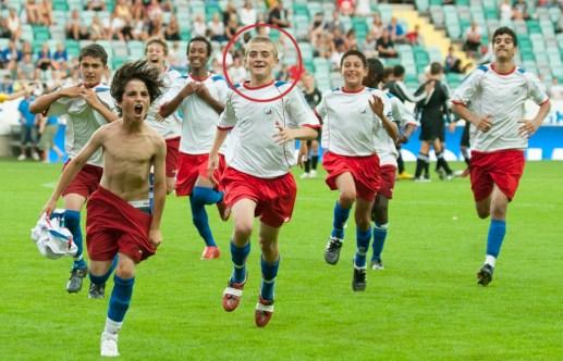 090717 Fotboll, Gothia Cup, Final B13, Lärje Angered mästare, jubel. © Bildbyrån - 56056 - Foto: Nils Jakobsson