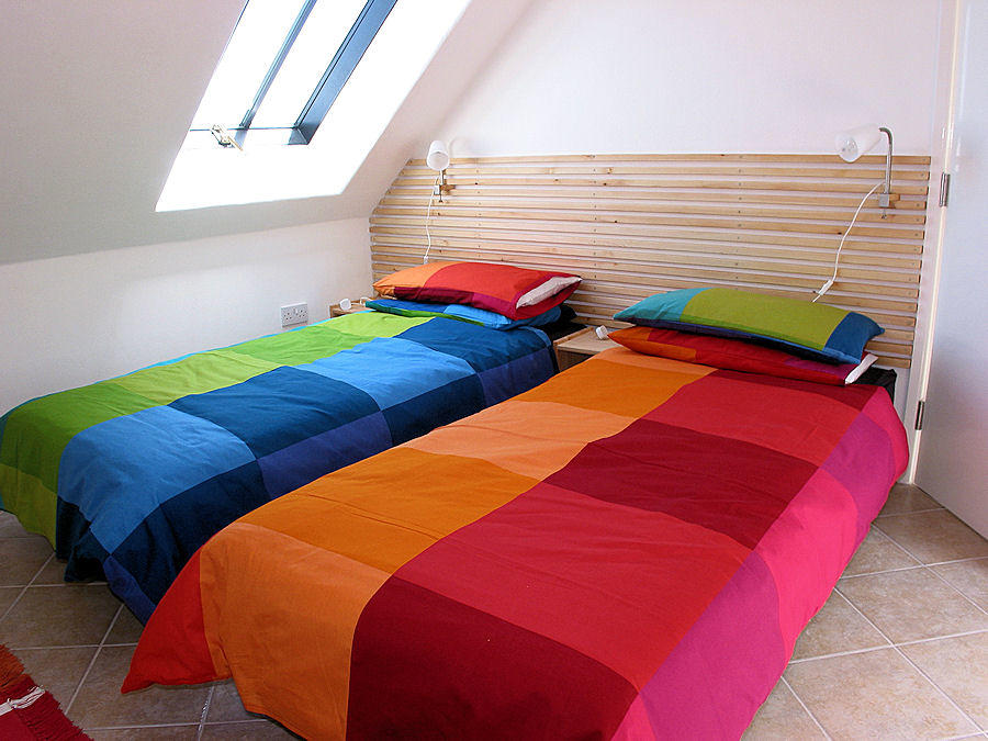 Twin beds - Cornwall Cottages - self catering Lindford House
