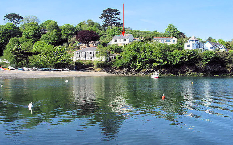 Chymor Cottage sites close to the waters edge - self catering Cornwall