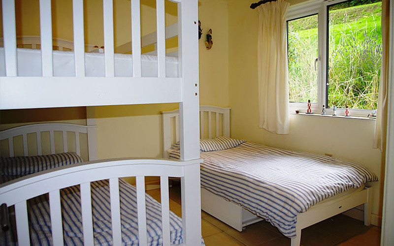 Bunk beds and single bed - Cornwall Cottages - self catering