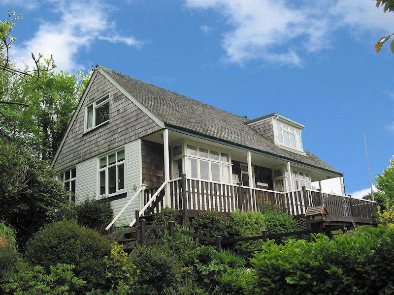 Curlew Cottage - Cornwall self catering - views across the creek