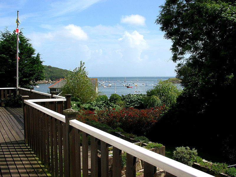 Self Catering Gillan Cornwall - Curlew Cottage Decking