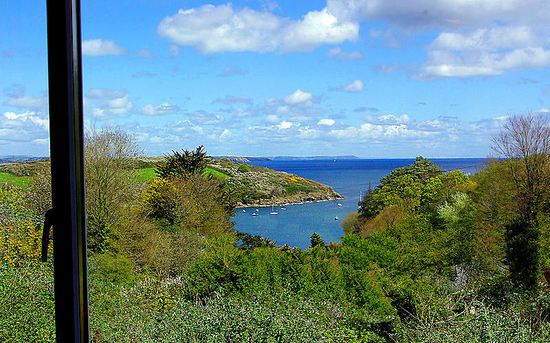 Cornwall Cottages - Dell Cottage has some fantastic views out to sea