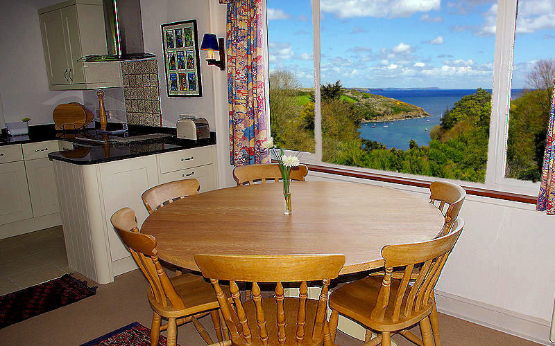 Dell Cottage - fabulous Sea views - self catering cornwall