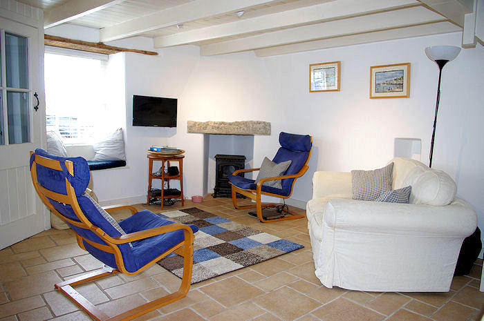 Harbour Cottage in Coverack Cornwall - Traditional self catering lounge