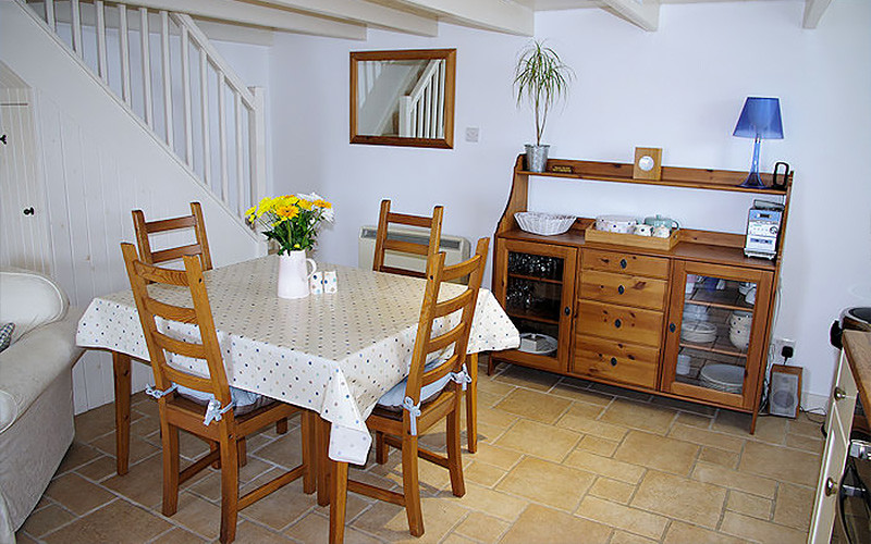 Harbour Cottage - Dining Area - Coverack Cornwall