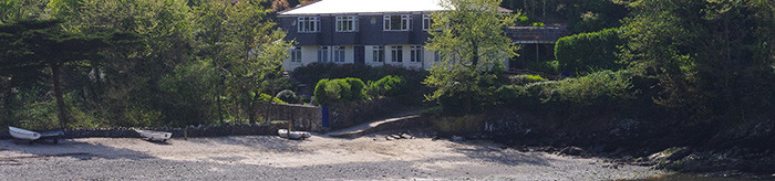 Holiday Cottages in Cornwall - Coverack, Helford, Gillan