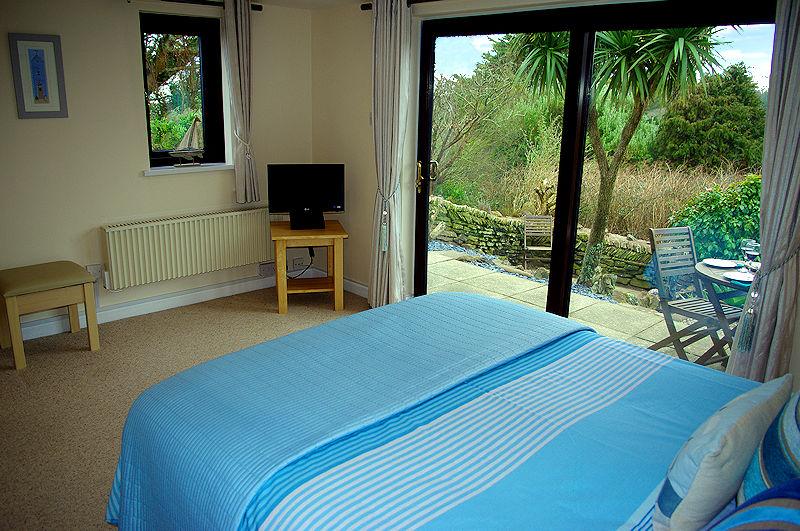 Self Catering Cornwall - Ocean View Cottage Bedroom
