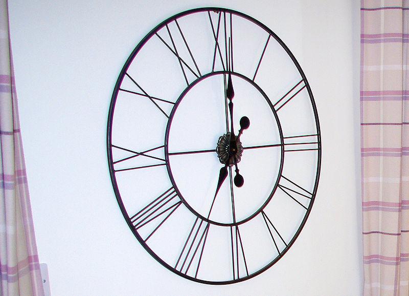 3 old mill yard clock