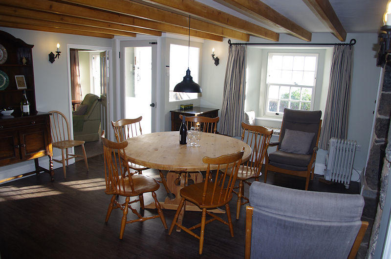Prospect Cottage kitchen diner, Coverack Cornwall - Self Catering From Lindford House