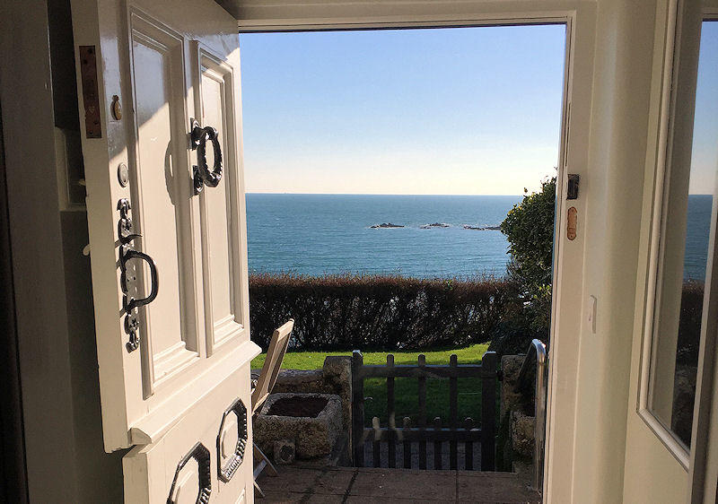 Prospect Cottage Coverack Cornwall - as the sun goes down