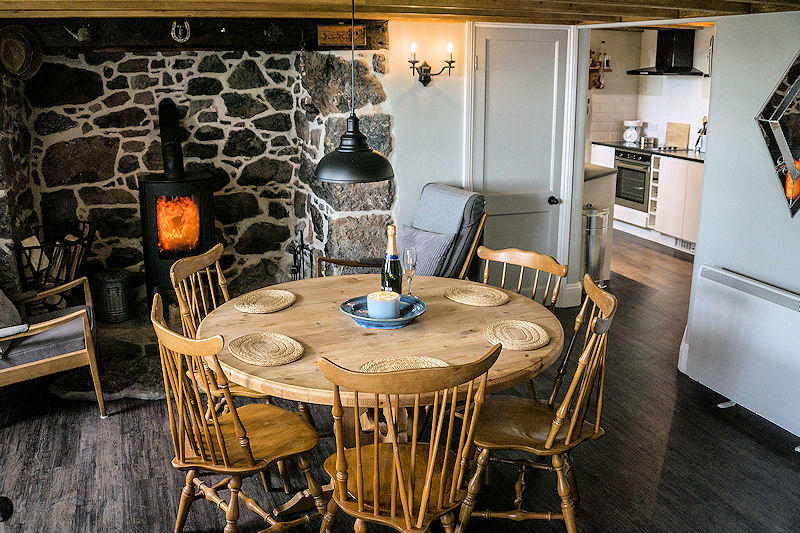 Cornwall Cottages - Traditional Cornish Kitchen - Self Catering Lindford house