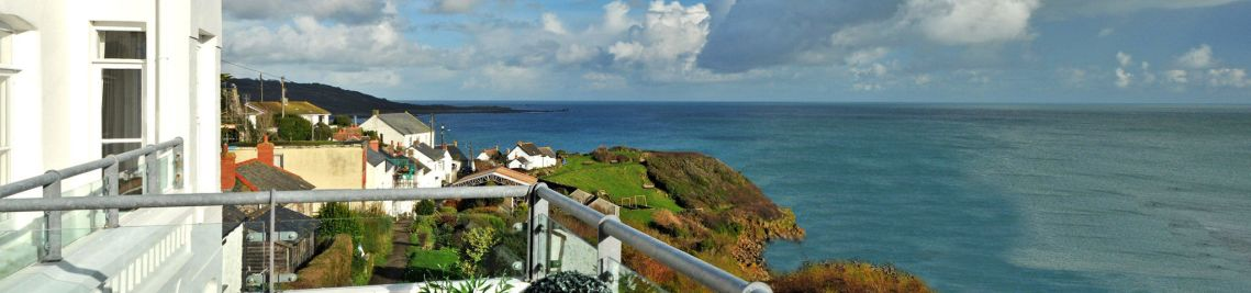 Self catering cottages in Coverack Cornwall
