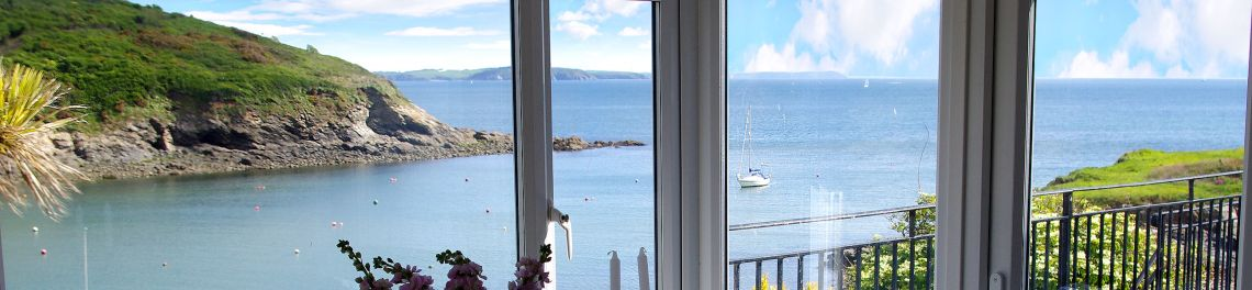 Sea Views - self catering cottages Coverack Cornwall