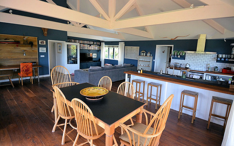 Large family kitchen - Cornwall Cottages - Self Catering Lindford House