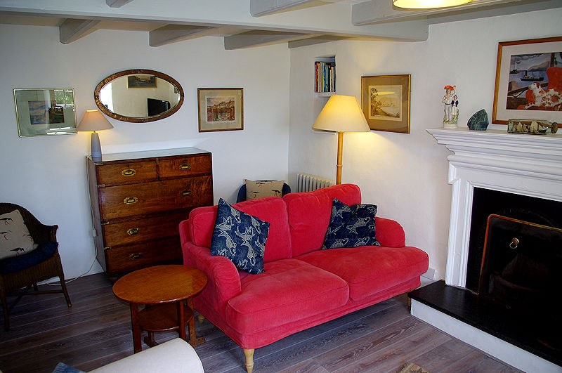 Self Catering Coverack Cornwall - cosy sitting rooms