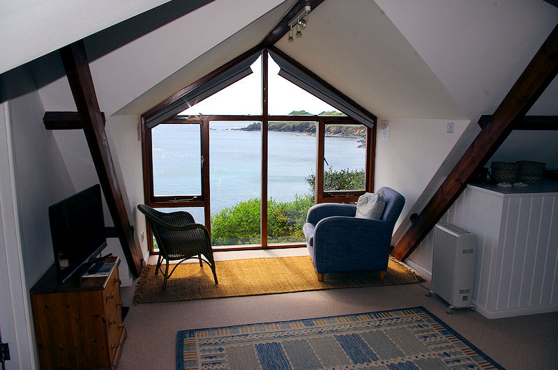 Self Catering Cornwall - a place to read that book and watch the world go by
