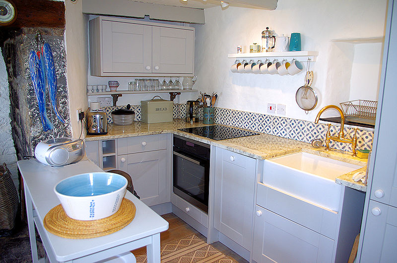 Self Catering Cornwall - traditional Cornish kitchens