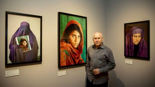 Steve McCurry with Afgan Girl