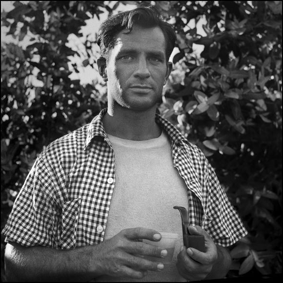 KEROUAC-DRINK-AND-A-SMOKE