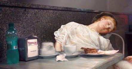 Alexey Kondarov - Napoli, Stazione Piazza Garibaldi. Colazione assonnata