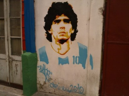 diego-maradona-graffiti-la-boca-buenos-aires