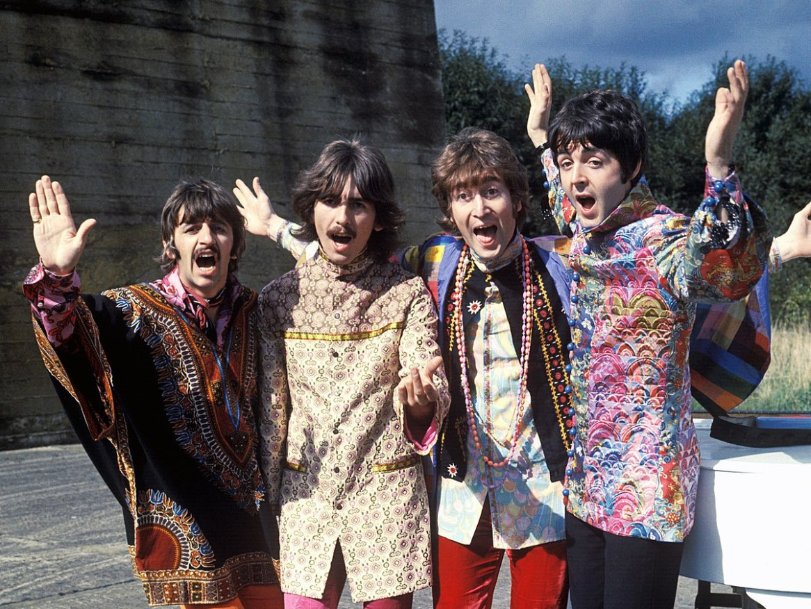 The_Beatles_magical_mystery_tour_(cropped)