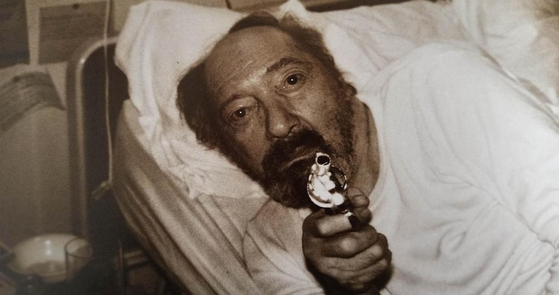 Onetti: el codo deforme, la pistola y el amor por quedarse en la cama