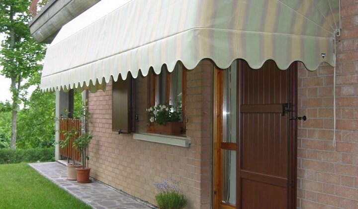 Le tende da sole sono un prodotto utilizzato durante tutto l'anno per proteggere gli ambienti esterni dal sole, ma anche dal vento o dalla pioggia. Tende Da Sole Quali Sono Le Alternative Migliori Da Scegliere