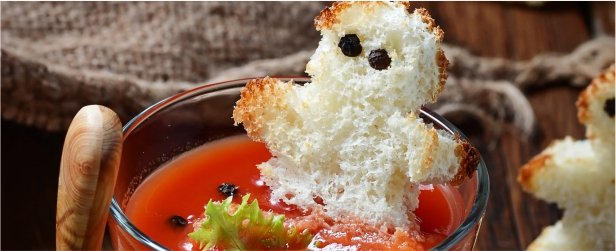 halloween-bloody-marys-with-ghost-toasties-link
