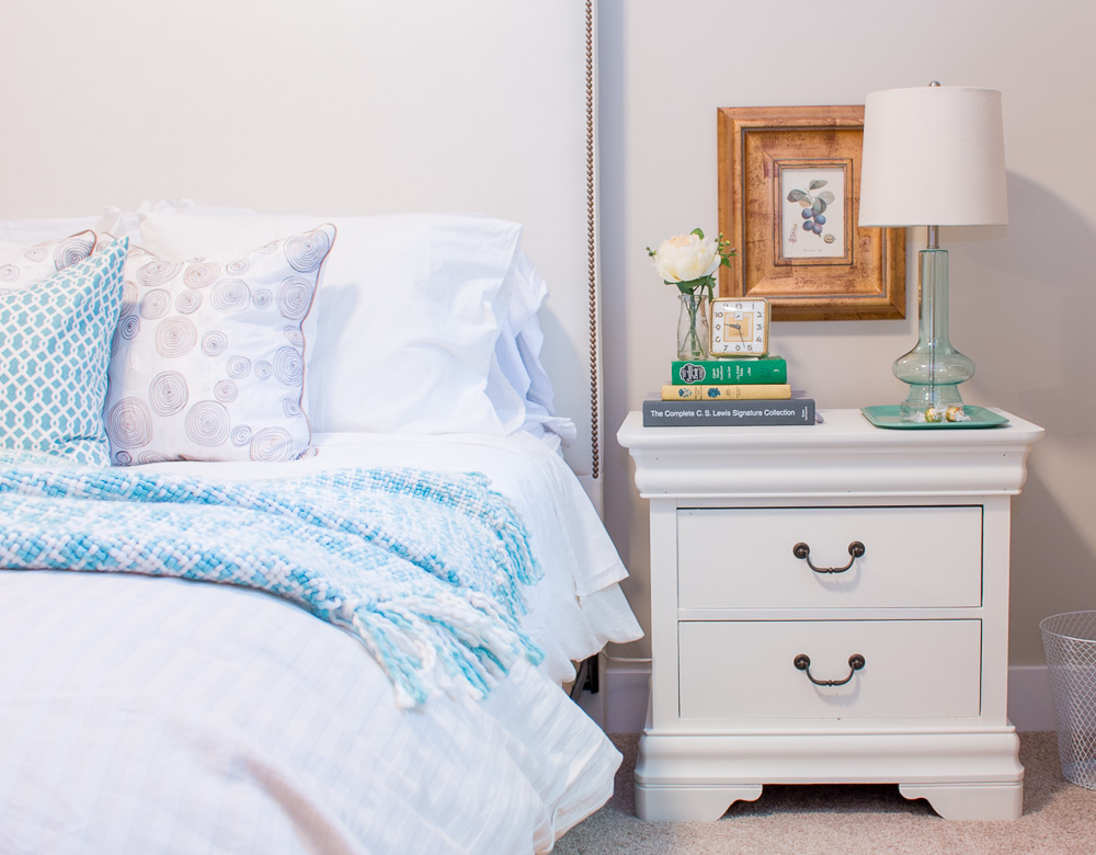 Guest Room Post 4493