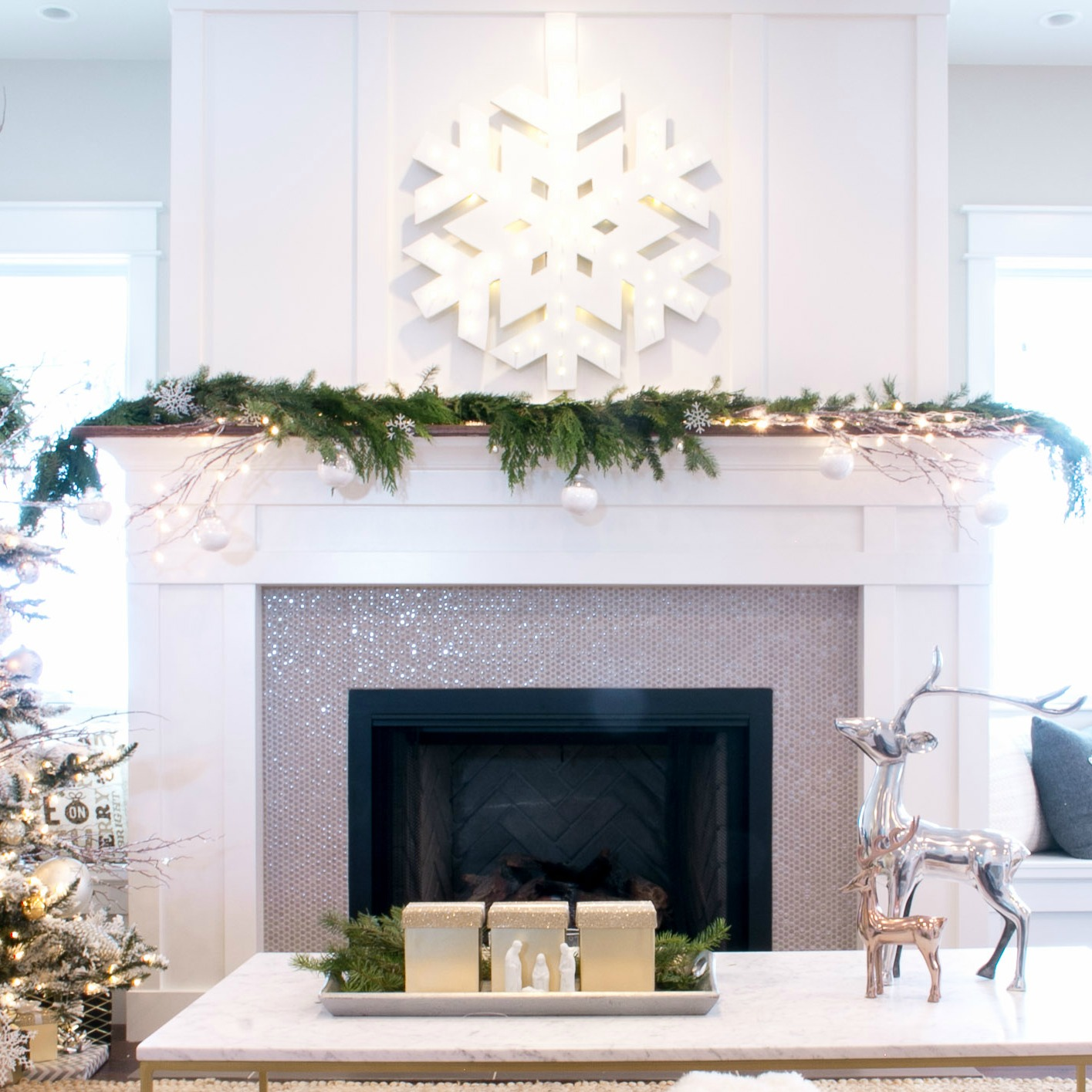 Deck the Halls Christmas Home Tour - My Living Room - Lindsay Hill ...