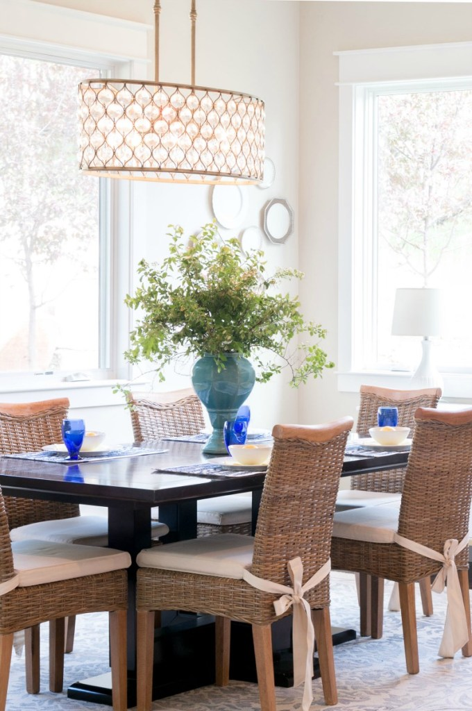 Lindsay Hill Interiors summer home tour dining area