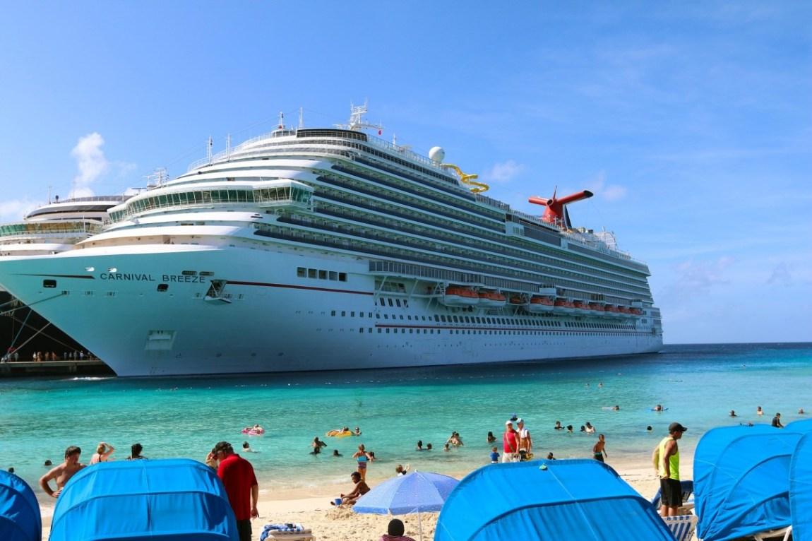 cruise-ship-591118_1920