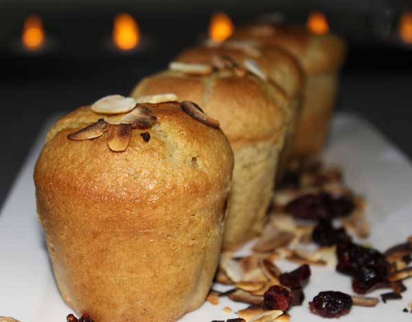 Assiette de petits gâteaux aux amandes