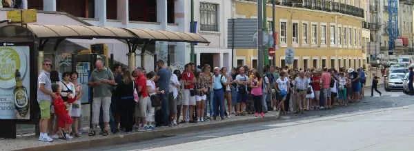 La queue pour le tramway