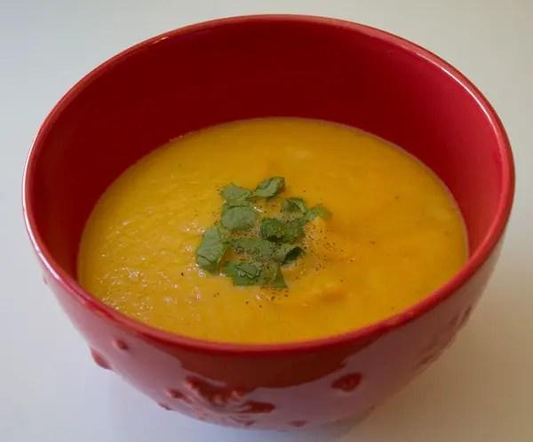Velouté de chou-fleur, carottes et cumin