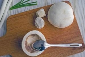 Évider les chapeaux de champignons