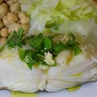Pavés de morue cuits à l'eau et leurs légumes