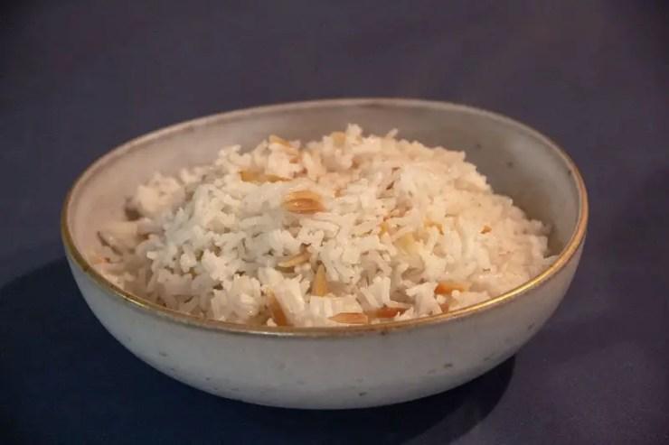Bol de riz pilav aux pâtes