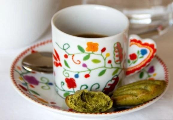Mini-madeleines au matcha et café