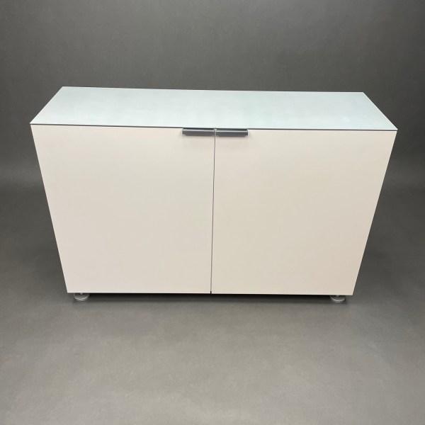 Meuble de rangement laqué blanc top aluminium