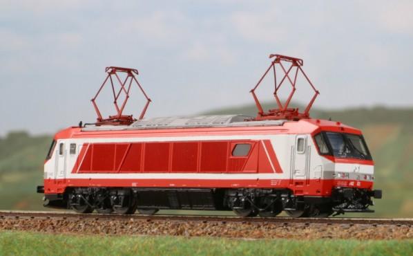 E402A di Lineamodel