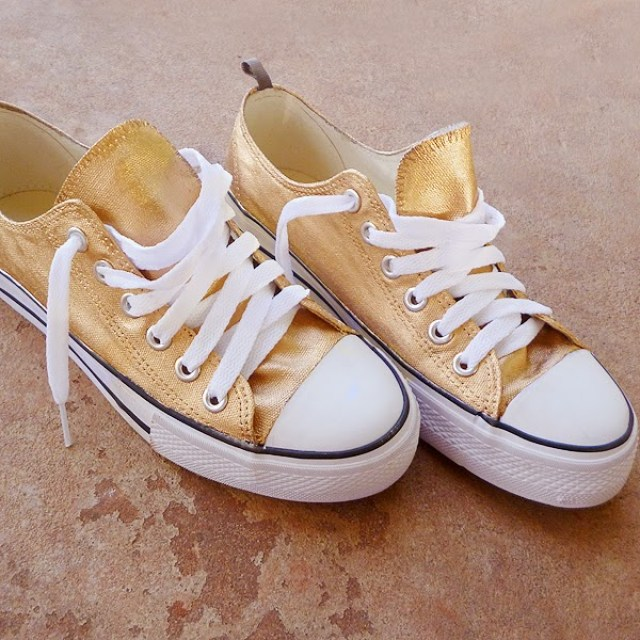 5d35b9493 Turn a pair of white Converse into gorgeous gold and white shoes via Dream  a Little Bigger.