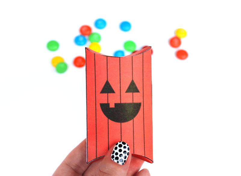 Free Printable Jack-o-lantern pillow boxes 3