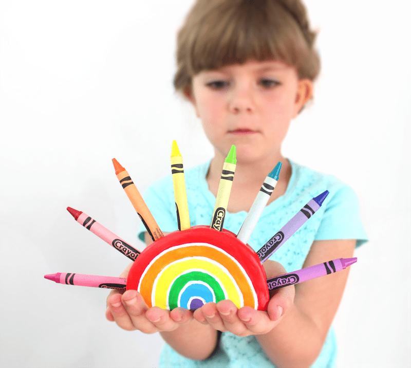DIY Rainbow Crayon Holder Tutorial 4