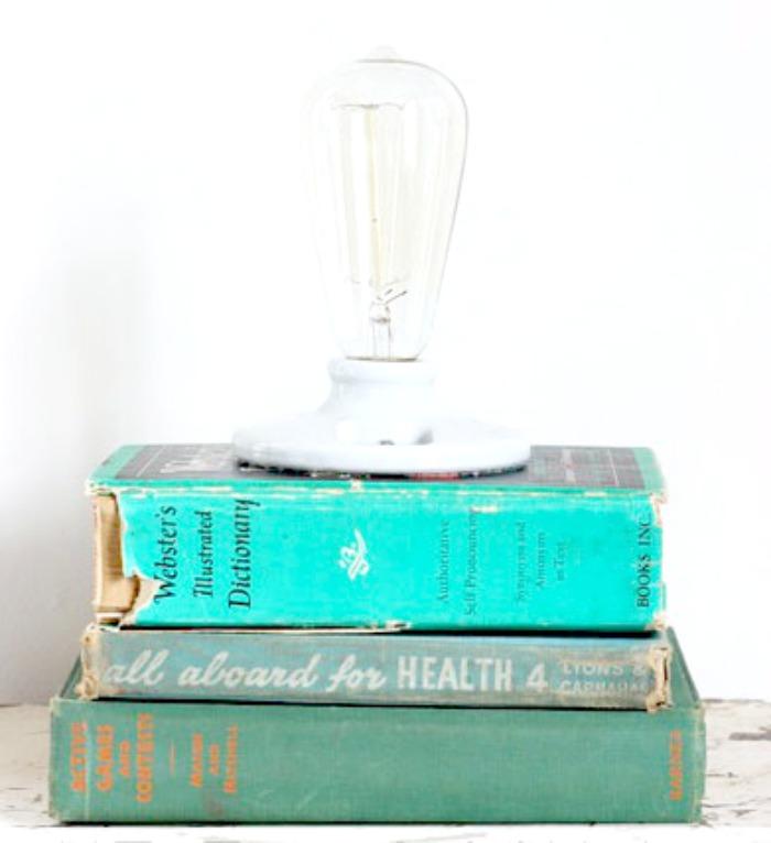 rndup4.booklamp