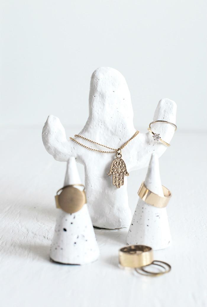 clay-cactus-jewelry-organization