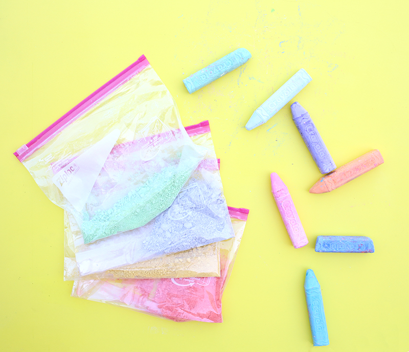 DIY Sidewalk Chalk paint - click through for the full recipe and tutorial