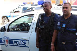 policiers caméra